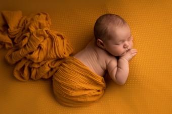830. Novorodenci